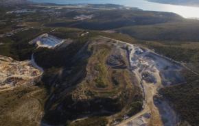 Deponij Vučje brdo nakon prve faze sanacije (svibanj 2020.)