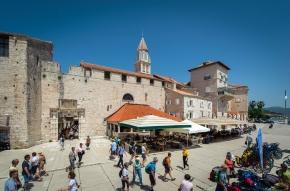 TZ Trogir: U srpnju tri predstave i glazbena poslastica